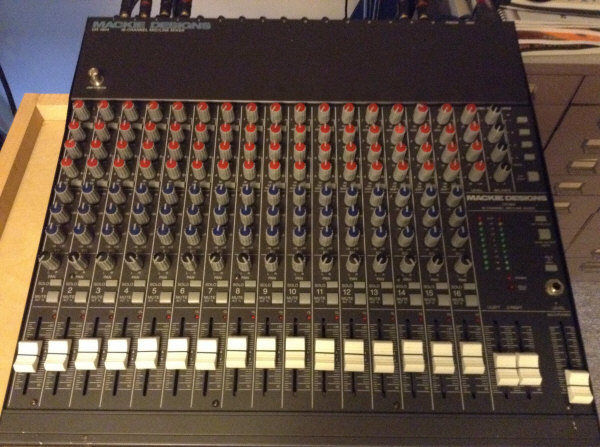 Mackie Model CR-1604 Mixer