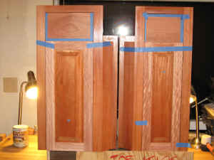 Wet_Wall_Bottom_Cabinets_Fitting_Doors.jpg (3080242 bytes)